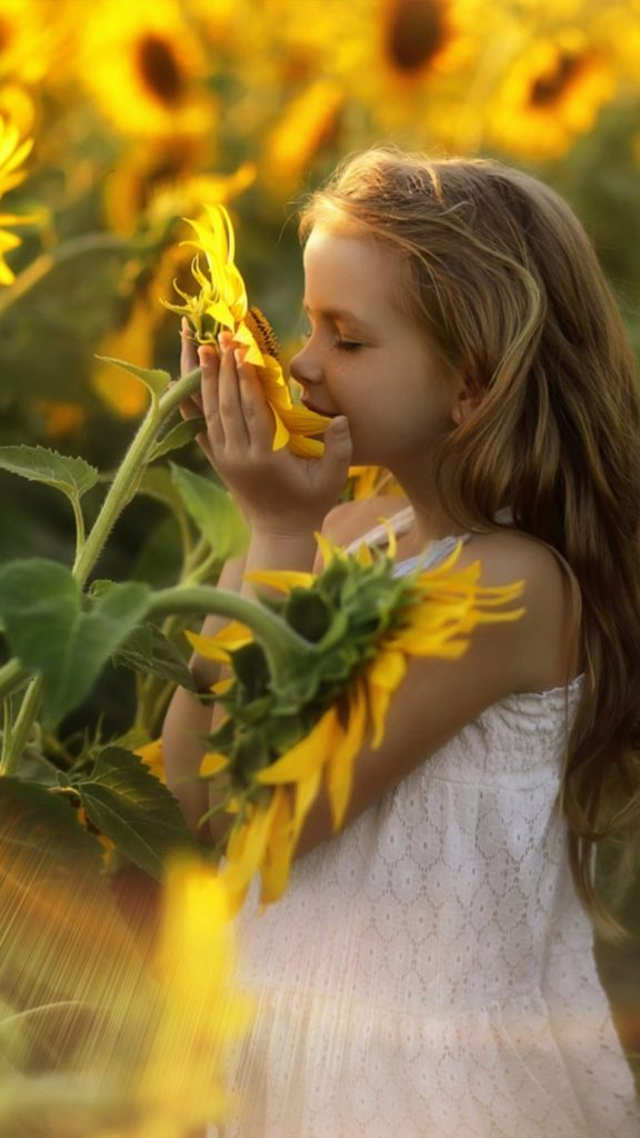 Child-Relax-Sunflowers-Morning-4K-Ultra-HD-Mobile-Wallpaper-950x1689